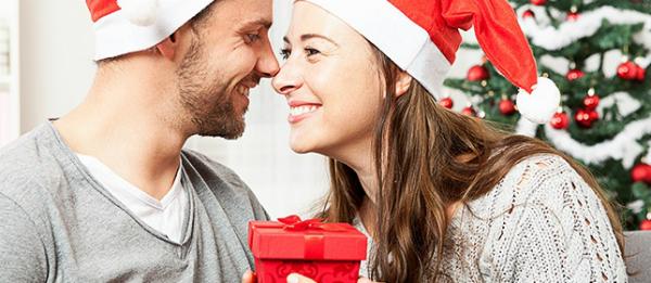 Эффектная идея подарка на Новый год в корзине Домовёнок-Арт