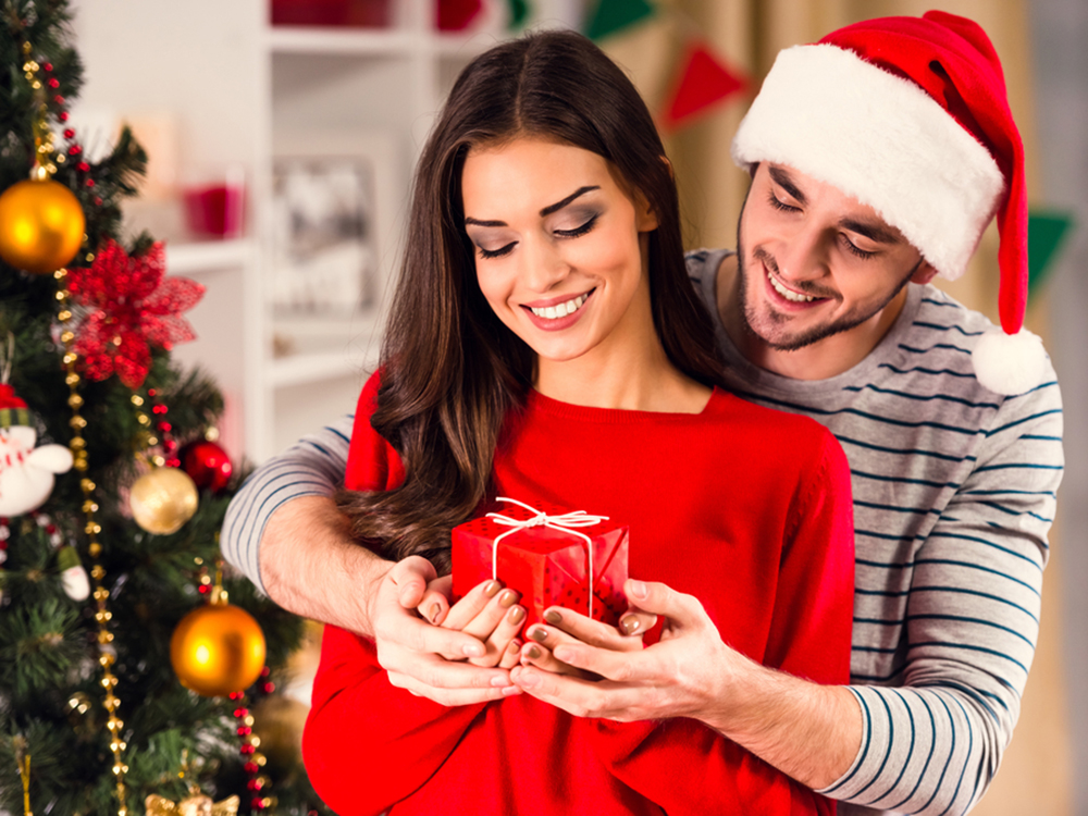 Ювелирный магазин в Киеве «Оникс» дает советы, как правильно выбрать украшение на подарок