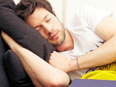 Длительный сон по выходным дням полезен для здоровья