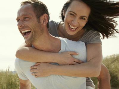 Исследователи определили  четыре шага, которые  сделают человека счастливым