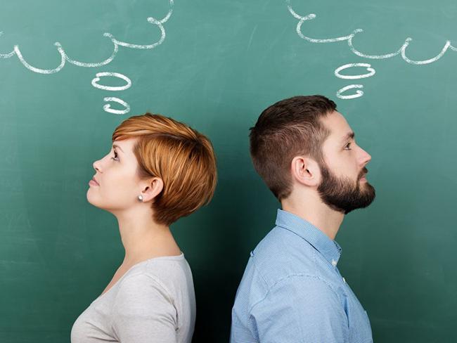 Специалисты сравнили мозг мужчины и женщины и поняли, кто умнее