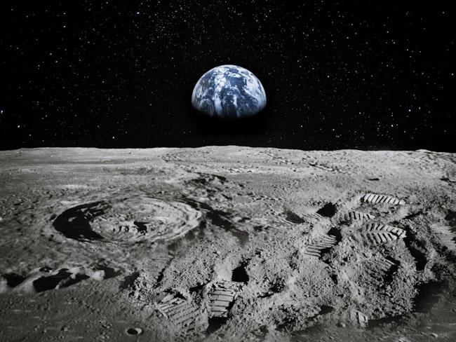 NASA высадит астронавтов на Луне через 4 года