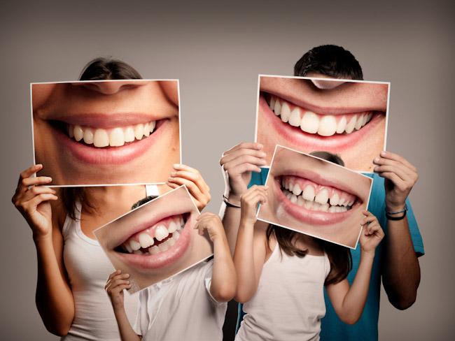 Специалисты рассказали, почему стоит улыбаться через силу