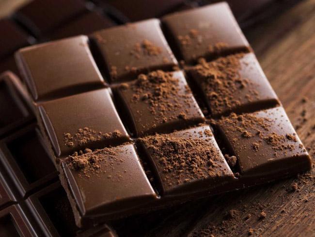 Вкусный, полезный и недорогой: ученые создали шоколад из отходов