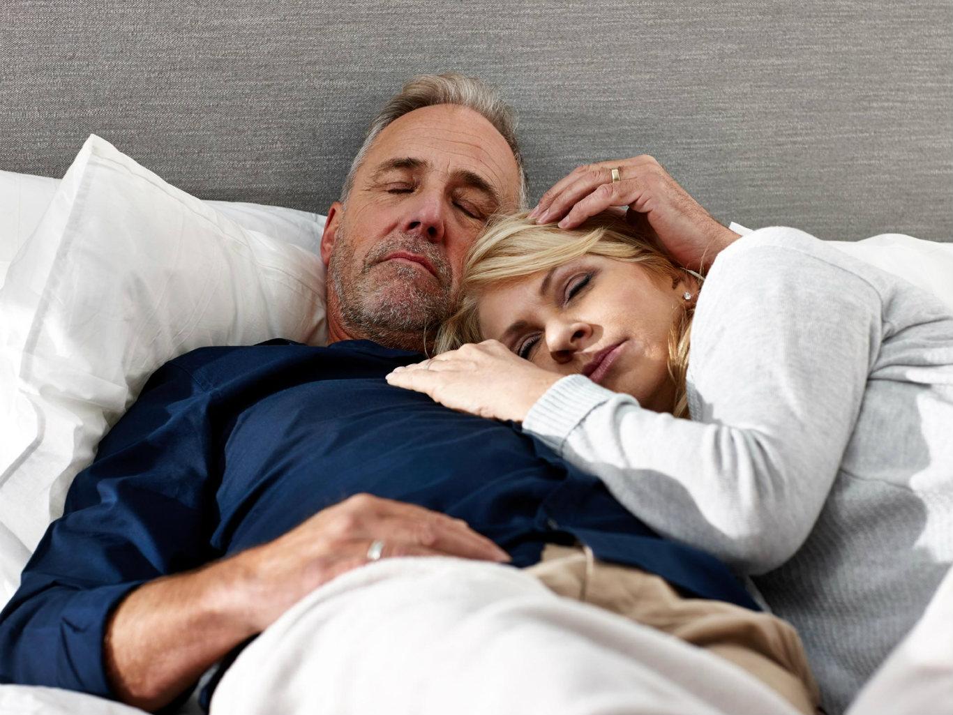Секс рассказ зрелых мужчин фото, Порно рассказы: Зрелая женщина и парень 12 фотография