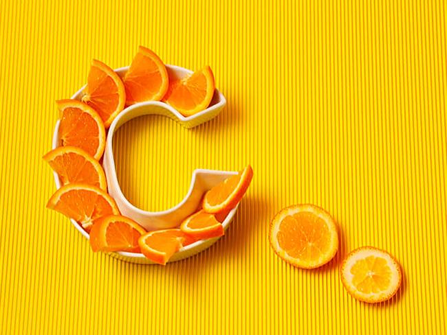 Ученые рассказали, полезен ли витамин С с цинком для больных коронавирусом