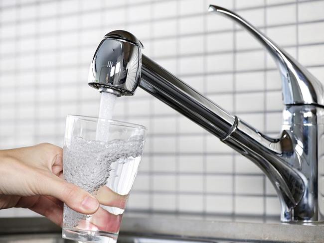 Поутверждению учёных, влюбой питьевой воде содержатся частицы пластика