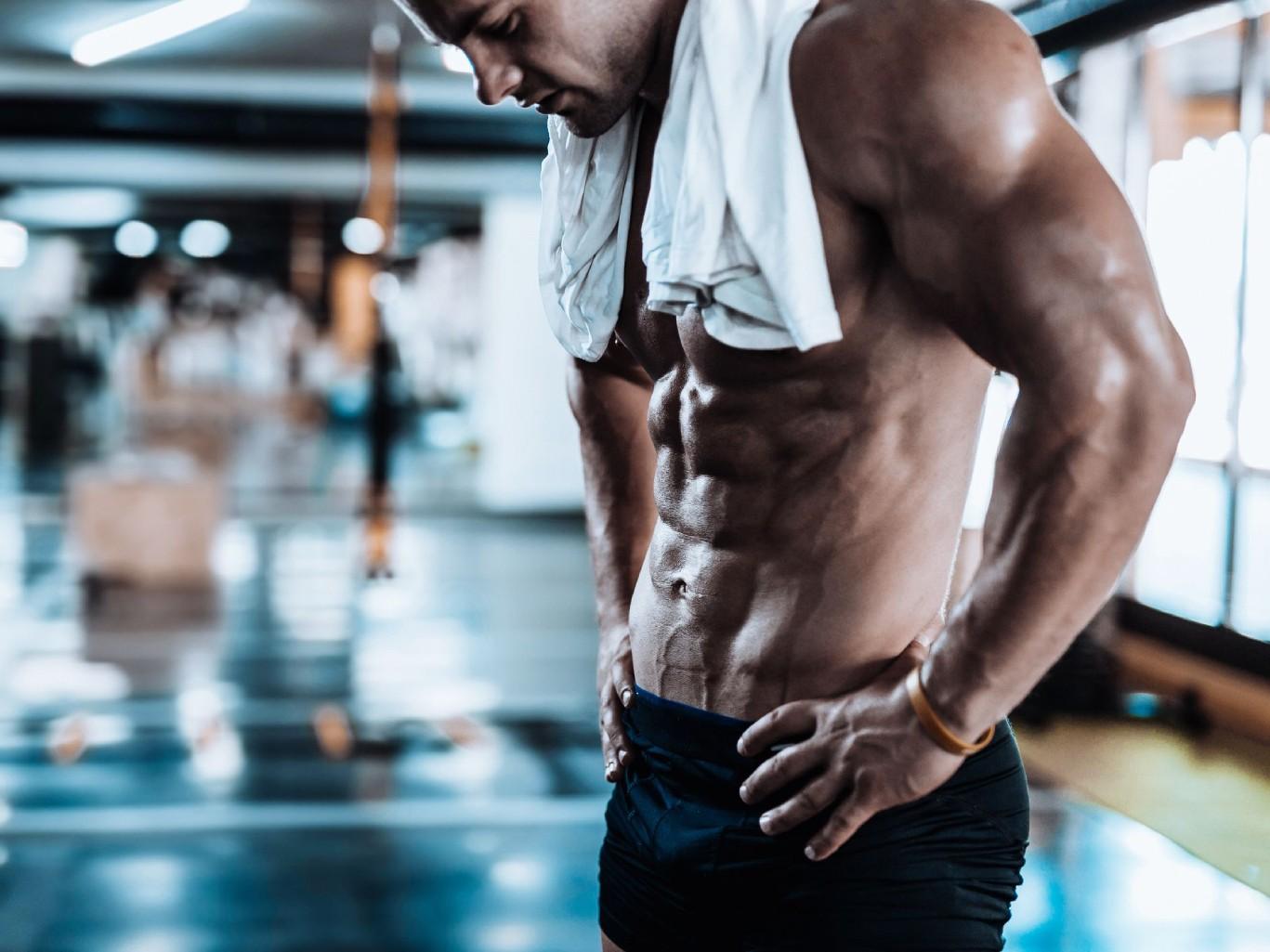 10 универсальных упражнений с собственным весом