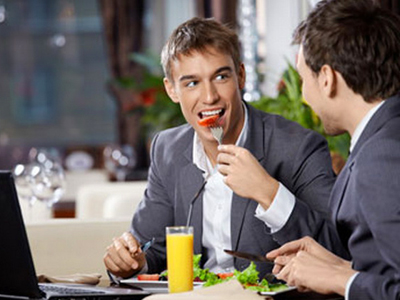 Фрукты и овощи делают человека счастливей