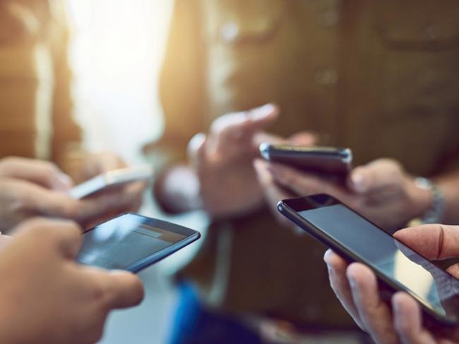 Как пользоваться мобильным телефоном, чтобы не навредить здоровью?