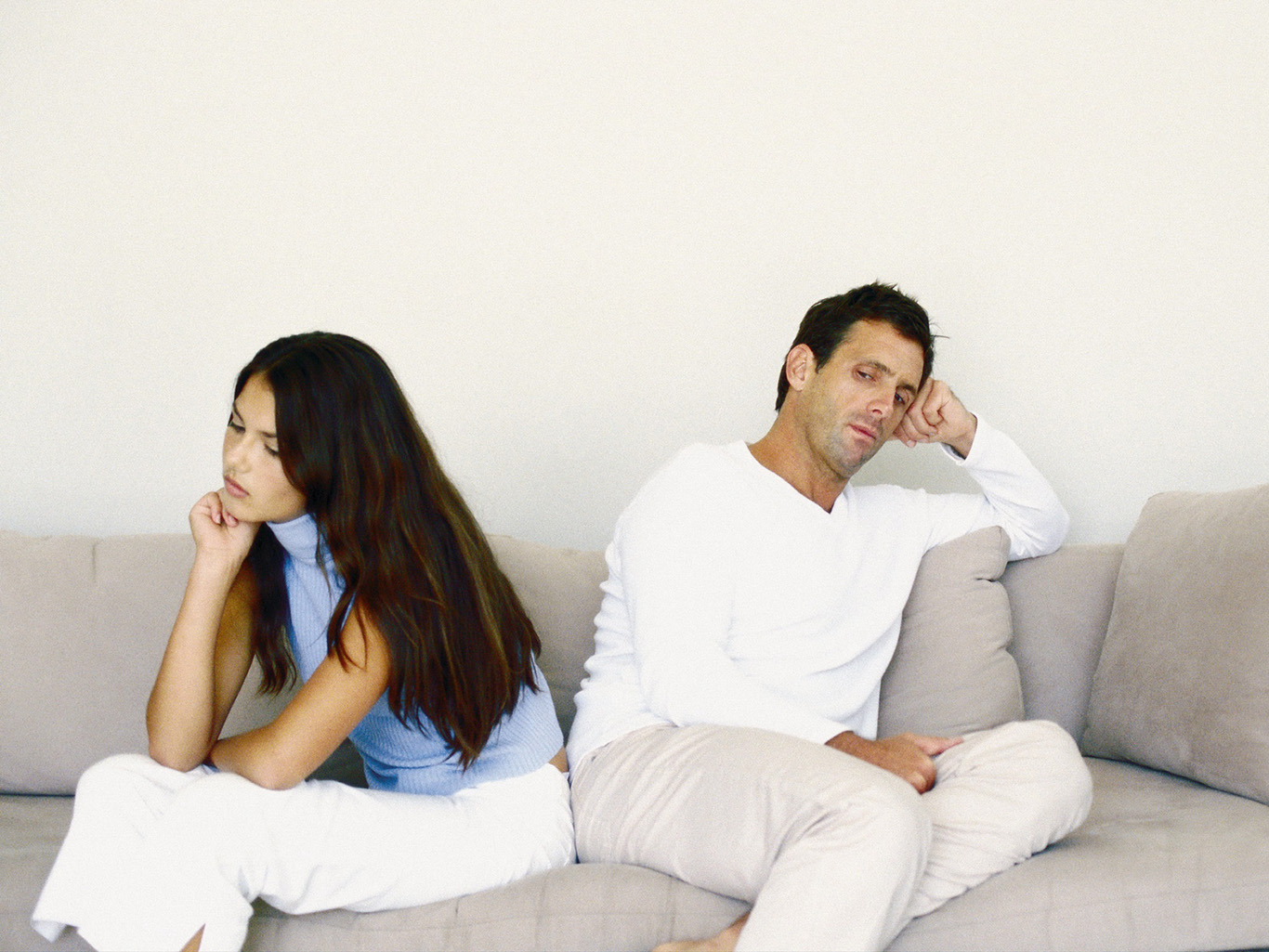 Муж не хочет секса потому что я не кончаются