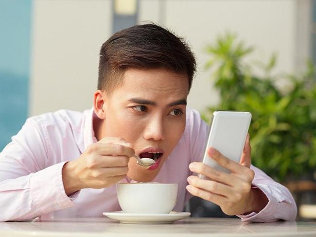Как побороть зависимость от соцсетей, полезные советы от психолога