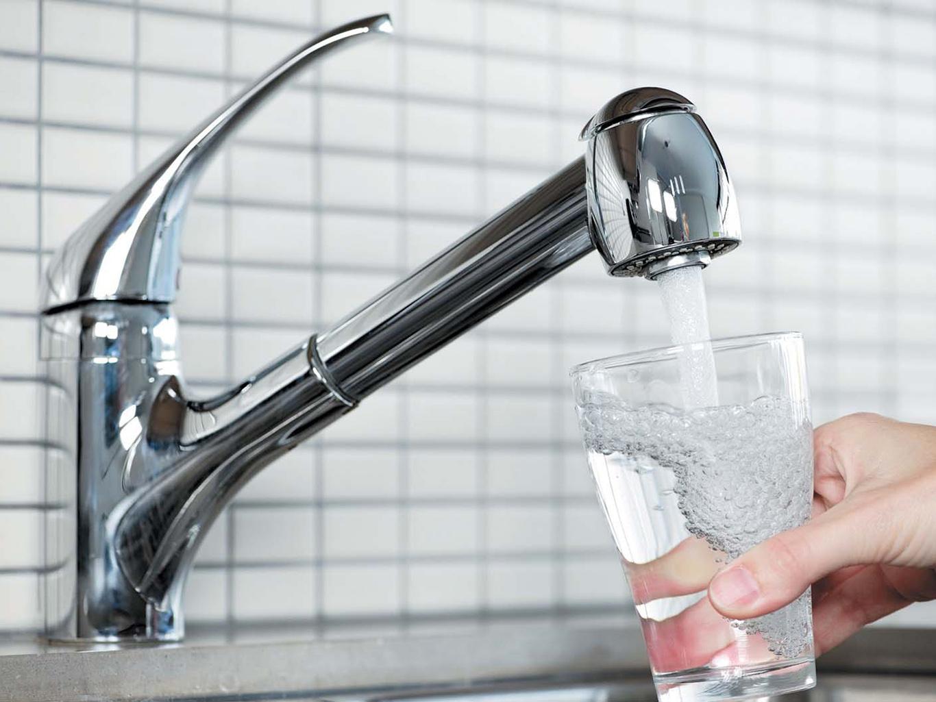 Что таит в себе вода, которую мы пьем? Напитки - Питание - MEN s LIFE