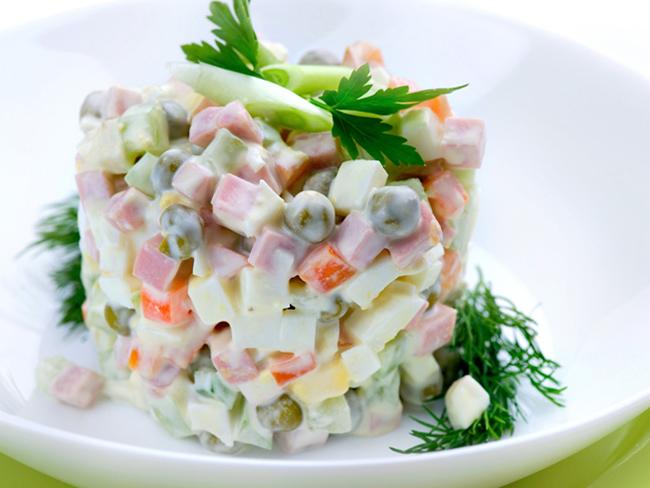 Диетические салат оливье