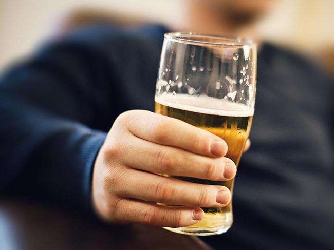 Ученые доказали, что мужской алкоголизм намного опасней женского
