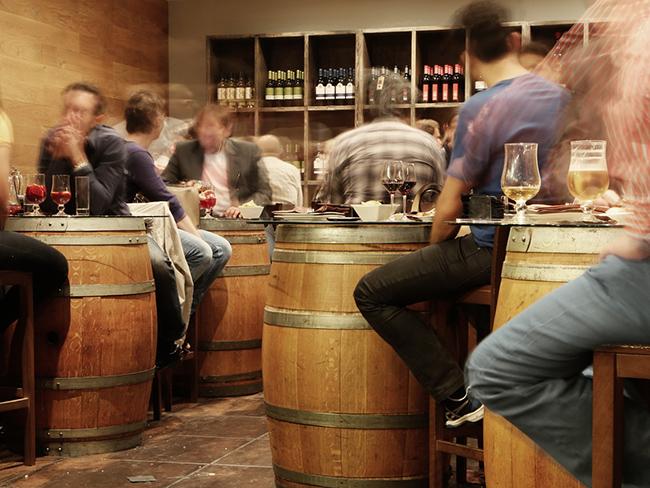 Эксперты назвали первый признак алкогольной зависимости