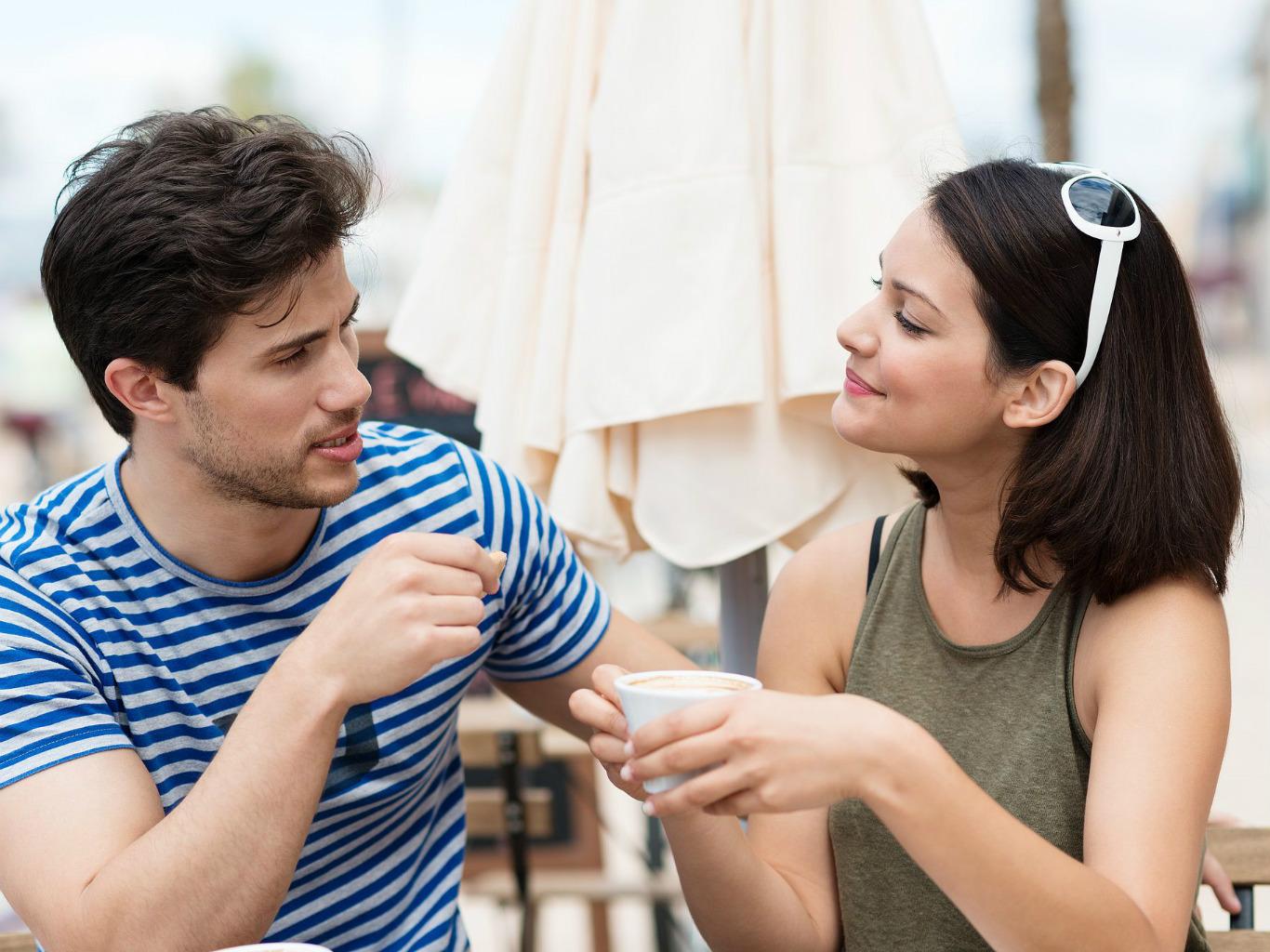 как подойти к девушке познакомиться в кафе