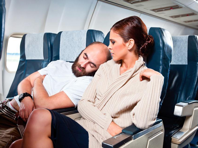 Эксперты рассказали, как выспаться во время авиаперелета