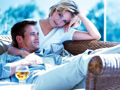 Психологи объяснили, почему  супруги становятся похожими  между собой