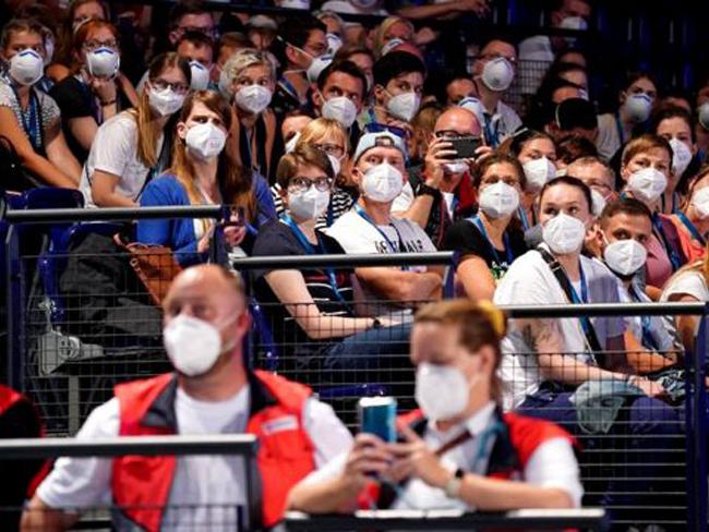 Ученые узнали, какая вероятность риска заражения коронавирусом на концертах