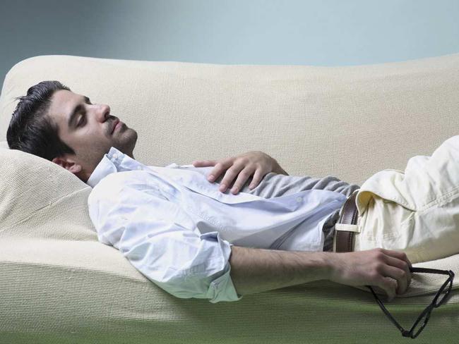 Почему появляется желание спать днем и как нехватка сна влияет на здоровье