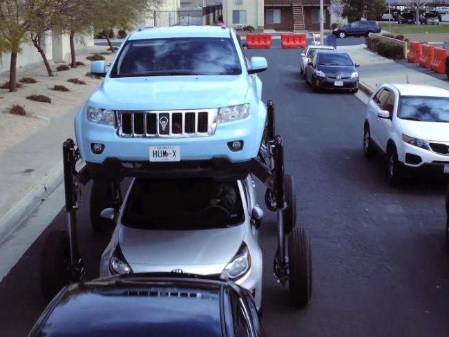 В США создали автомобиль-трансформер на ходулях для объезда пробок