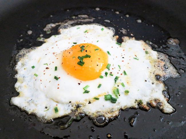 Китайские исследователи рассказали, полезно ли есть куриные яйца