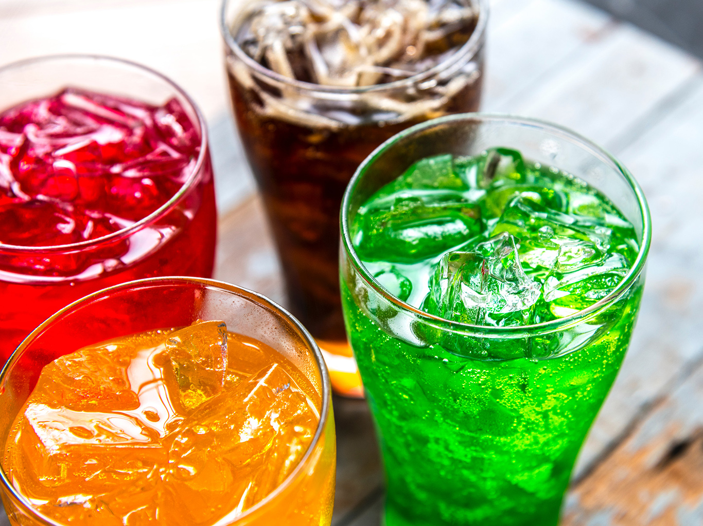 Сладкие газированные напитки: пить или не пить?