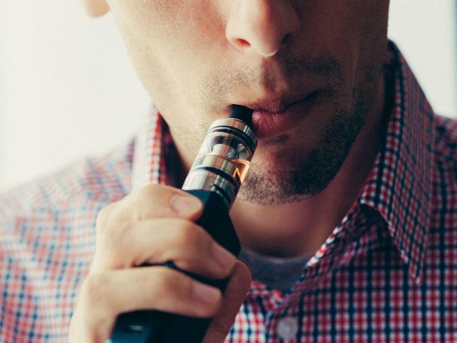 Со скольки лет курят электронные сигареты