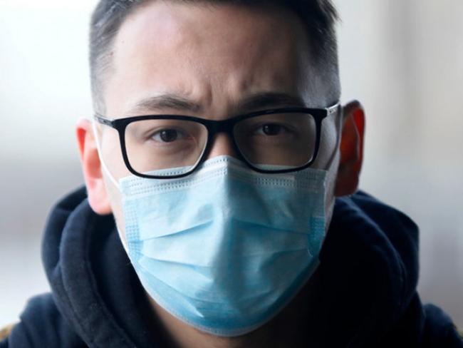 Медики рассказали, как связано ношение очков и коронавирус