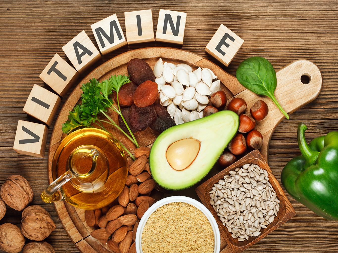 В каких продуктах содержится витамин Е и для чего он нужен организму?