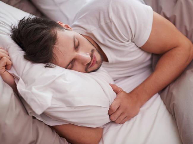 Специалисты доказали, что спать 8 часов вредно