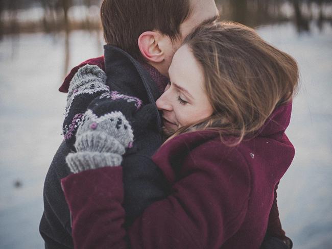 Почему обниматься полезно. Ученые рассказали о новом открытии