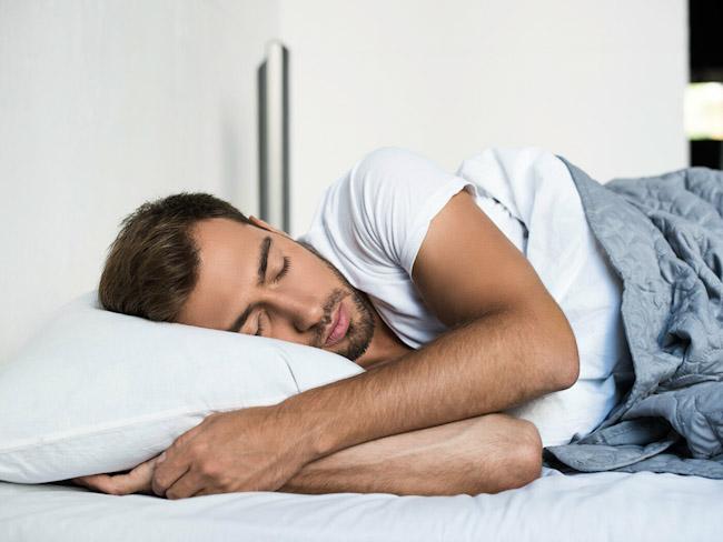 Эксперты рассказали, сколько сна нужно взрослому человеку