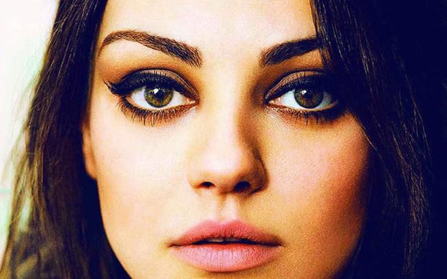 Что может рассказать о девушке цвет ее глаз?