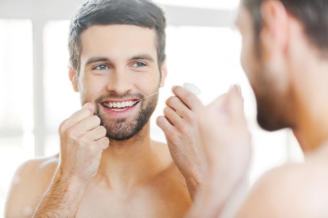 Как избавиться от неприятного запаха изо рта: действенные советы