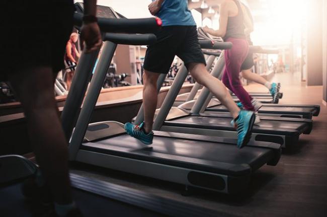 Тренировки после праздников: когда начинать, и каких нагрузок лучше всего избегать