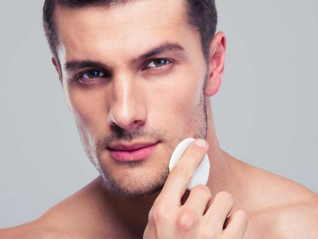 Зимний уход за мужской кожей: как уберечь ее даже в мороз