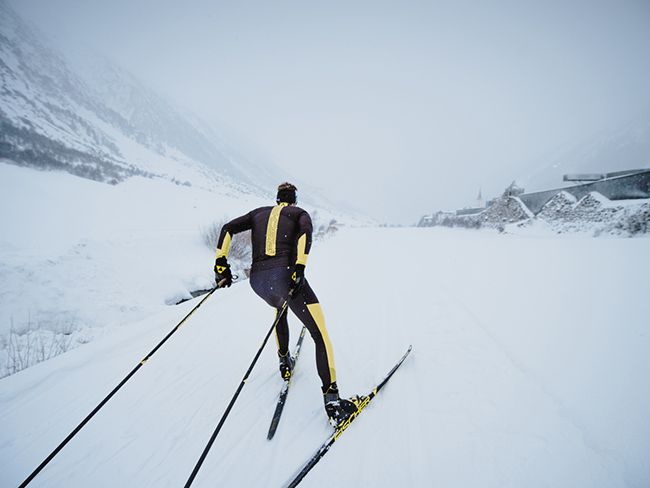 Лучший зимний спорт. Беговые лыжи: польза и правильная техника