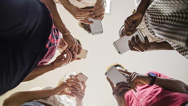 Страх остаться без телефона или как победить номофобию