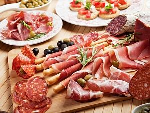 Колбасные изделия повышают риск развития рака