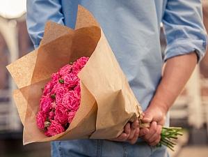 Какой связка цветов раздать бери во-первых встреча девушке?