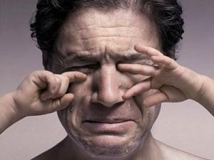 Мужчины плачут от счастья чаще, чем  женщины