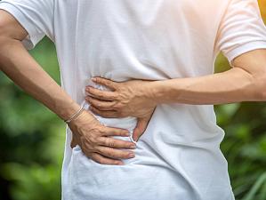Болят кости и ломит спину? Узнайте, какого витамина не хватает организму