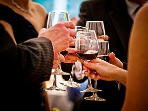 Исследователи: спиртное в небольшом количестве полезно