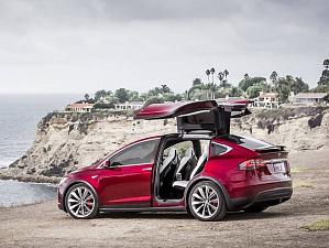 В электромобилях Tesla скоро будет режим вечеринки и отдыха