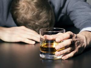 известно алкоголь убивает первую