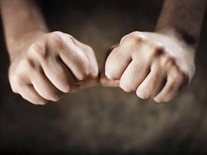 Математики попытались объяснить, почему хрустят пальцы