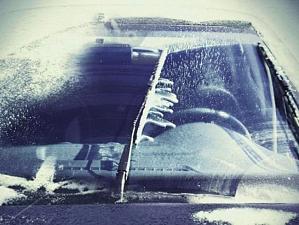 Водителю на заметку: как выбрать стеклоомывающую жидкость