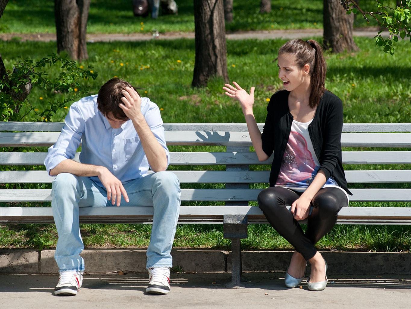 Как сделать чтобы бывший парень моей девушки отстал от нее